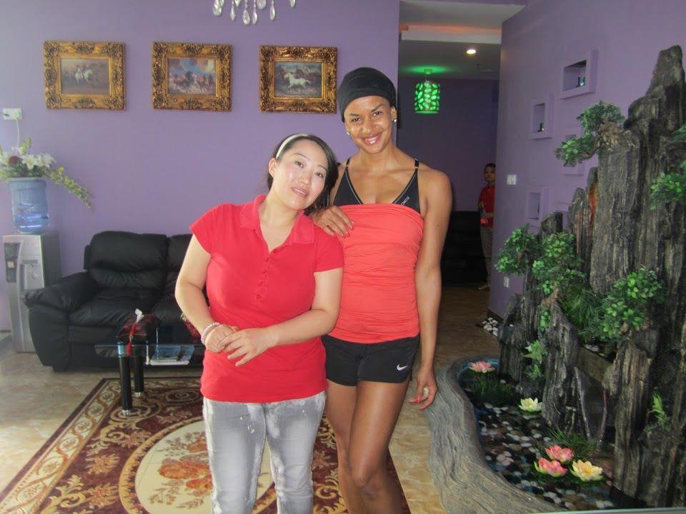 Jos Thaimaalainen näyttää vieressä paksulle, ei voi olla itse kovinaan paksu :D